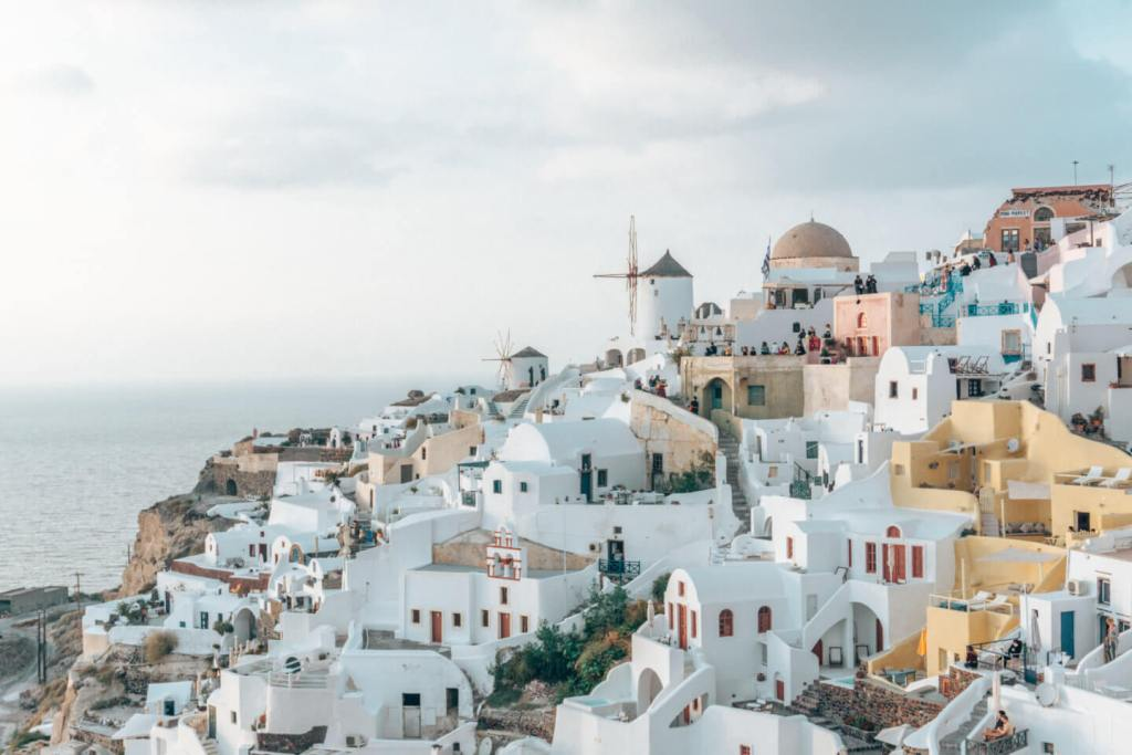 Tips on first-time car rentals in Santorini