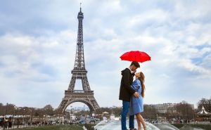 "Explore or Ignore – ""Emily in Paris"""